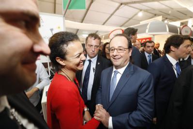 François Hollande estuvo presente en el mercado del Festival de Annecy - © Bestimage
