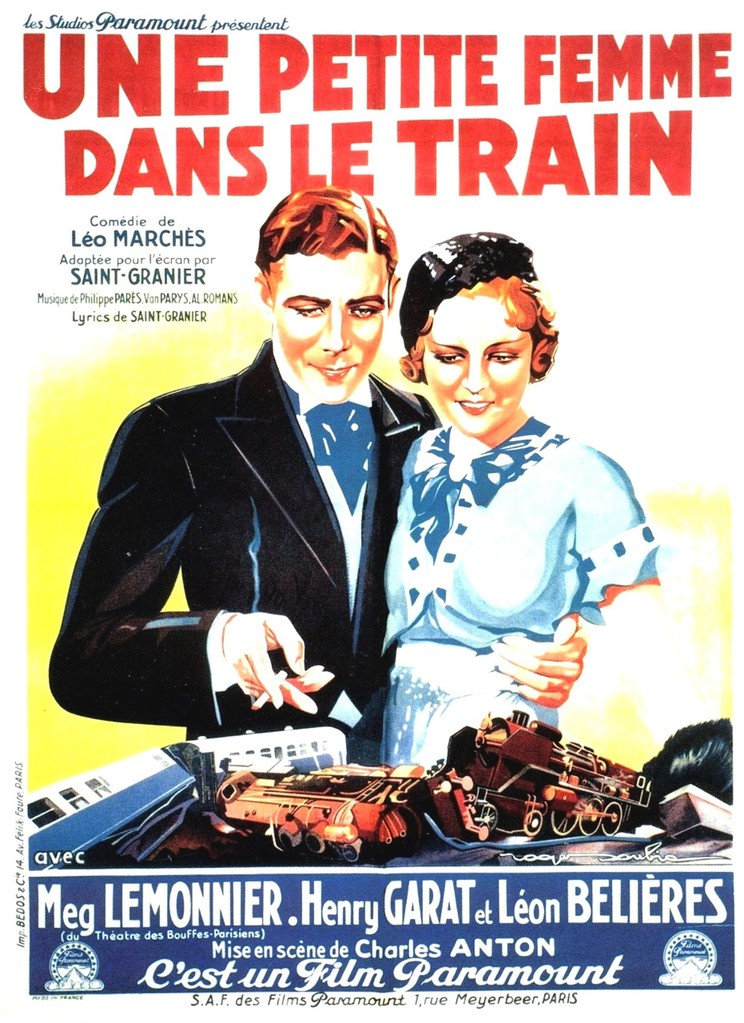 Une petite femme dans le train