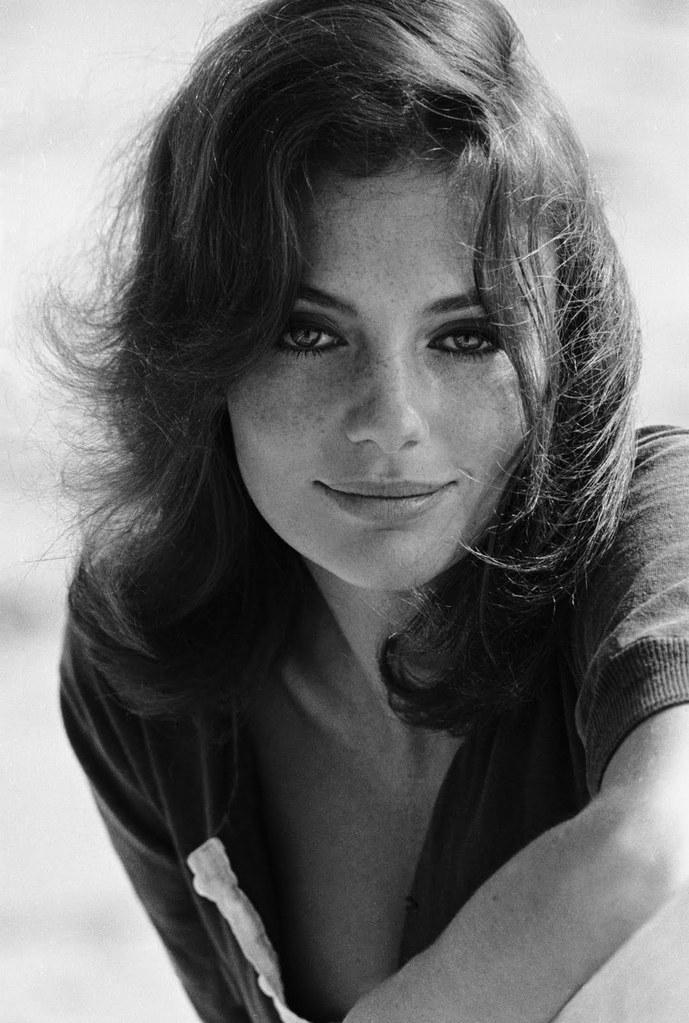 Jacqueline Bisset - un...