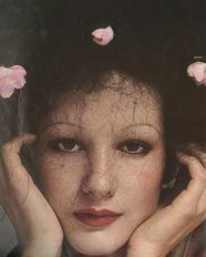 Isabelle Weingarten - © Guy Bourdin/Vogue